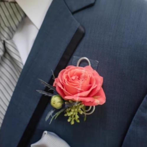 Groom's boutonniere Bosque Flower Studio